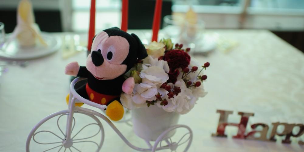 Decoratiune botez Mickey Mouse pe tricicleta