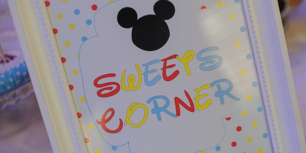 Painting candy bar mickey mouse baptism