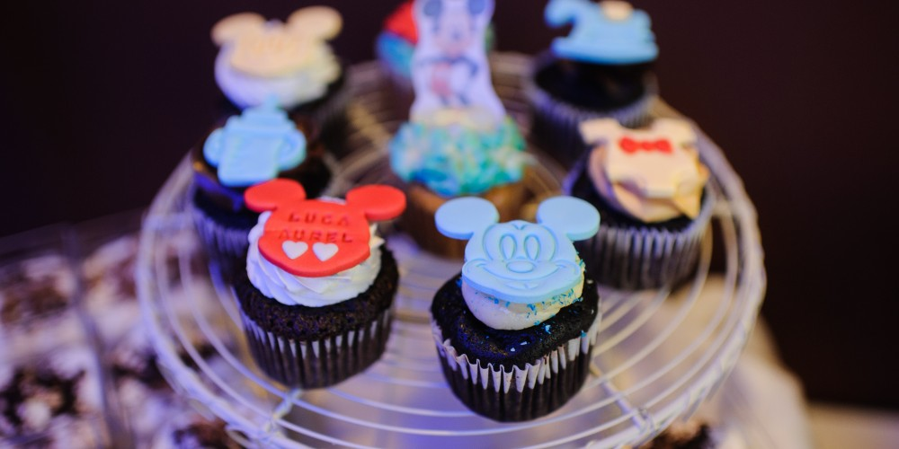 Prajiture Mickey Mouse Candy Bar restaurant Triumph Mamaia